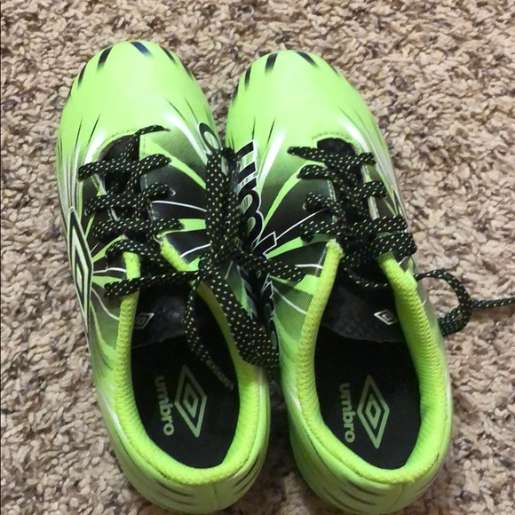 Umbro Shoes   New Children Soccer
